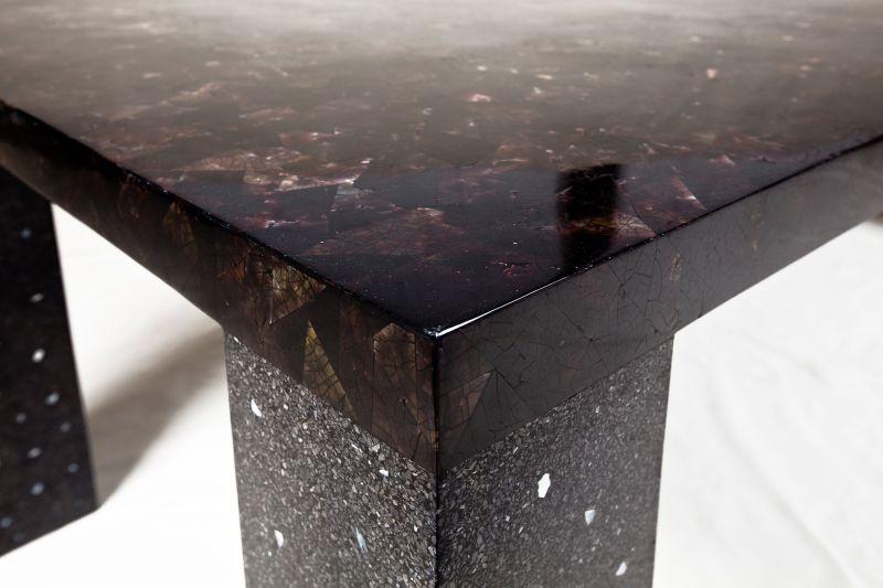 Esstisch Schwarzbraun schwarz braun muschelschale tisch suva robuster esstisch terrazzo